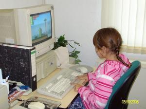 Sophie spielt Mario